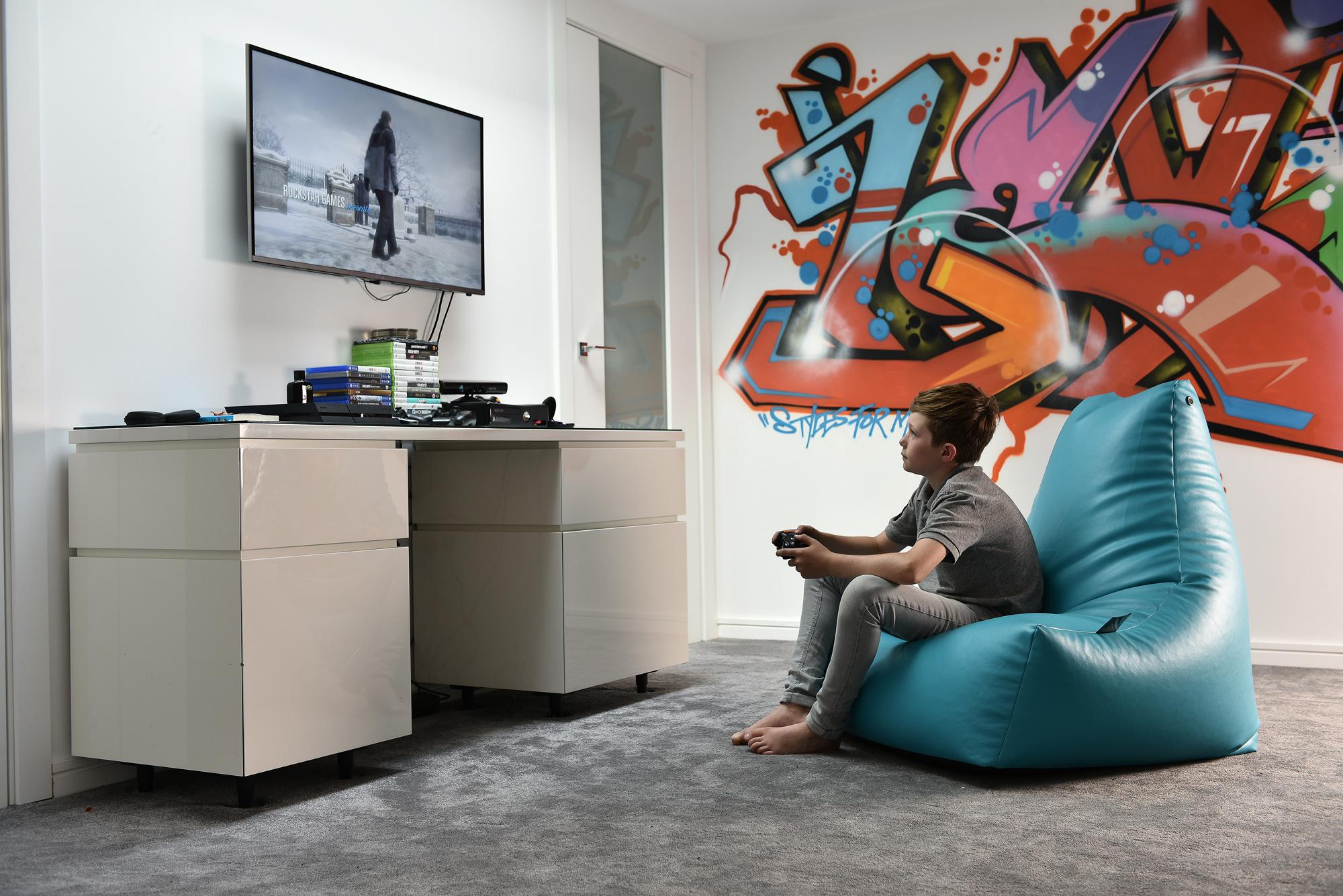 Pleasant Extreme Lounging Donaldsons Furnishers Beatyapartments Chair Design Images Beatyapartmentscom