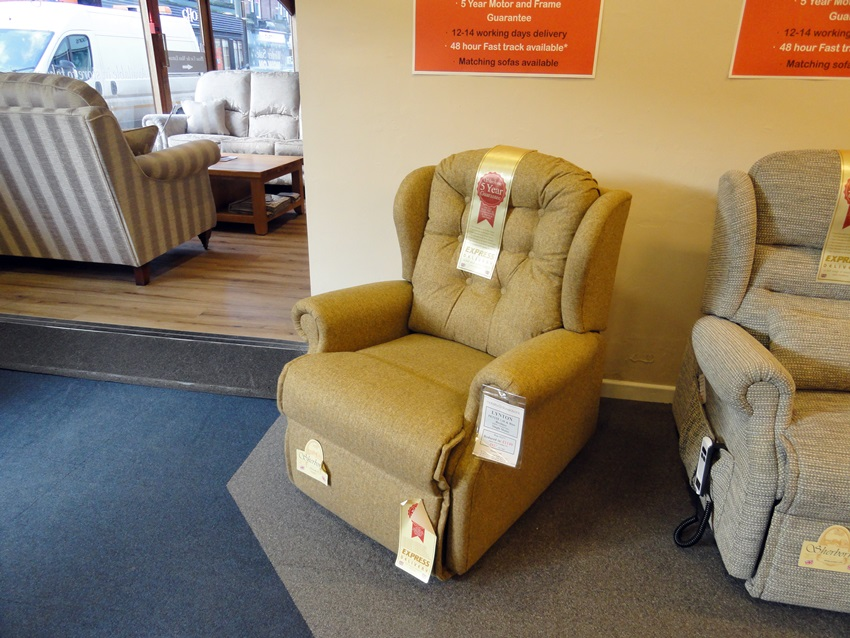 Lynton lift rise chair