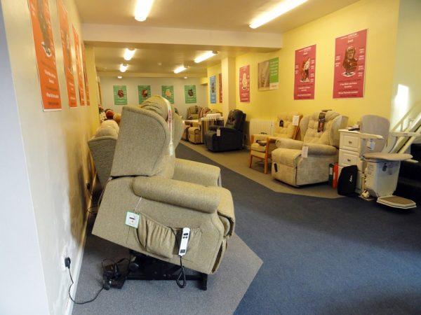 Lynton lift rise chair carlisle