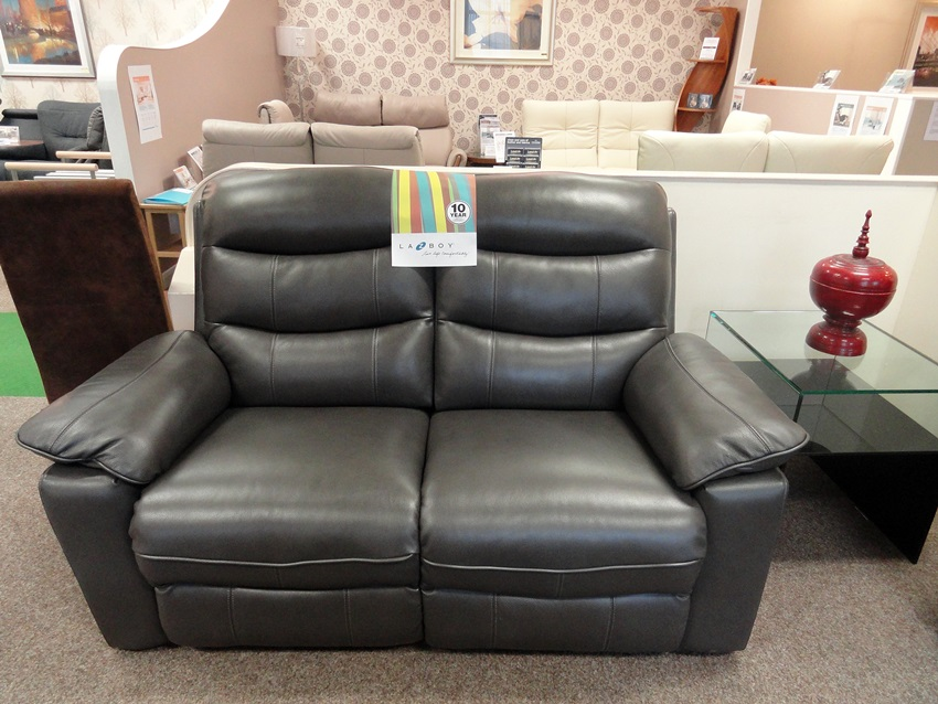 Manual Operated Newark 2 Str Sofa And Arm Chair Clearance