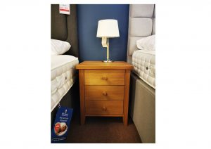 Windsor 3 Drawer Bedside Oak Clearance